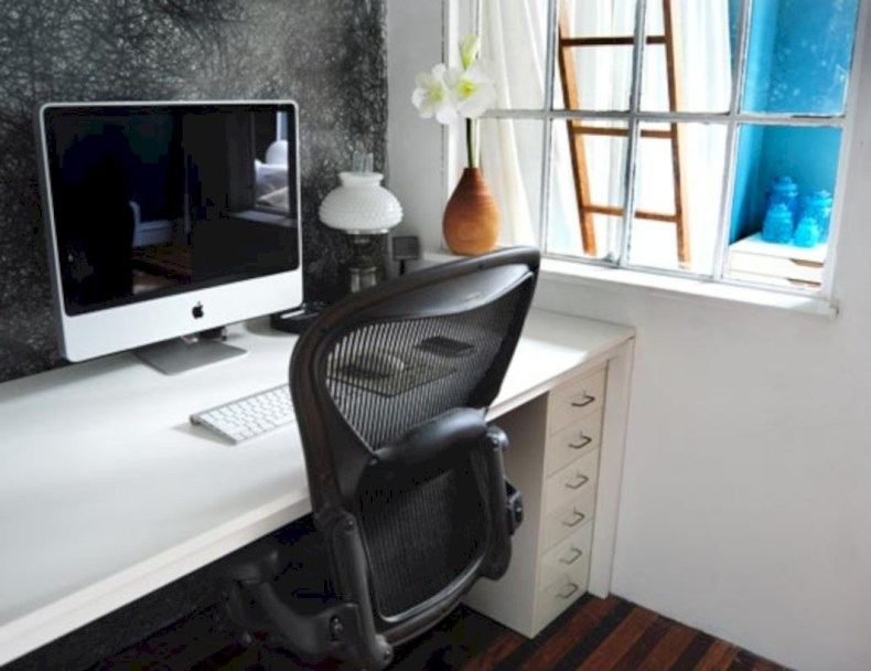 Neat and clean minimalist workspace design ideas for your home 30