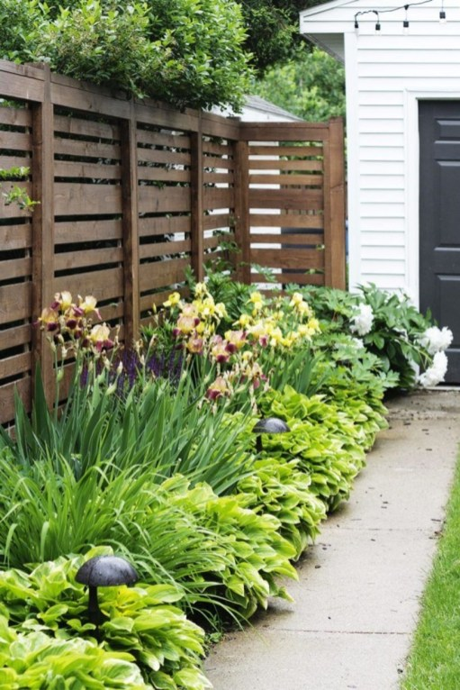 Outdoor garden decor landscaping flower beds ideas 17