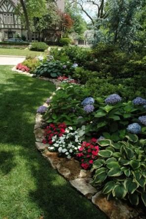Outdoor garden decor landscaping flower beds ideas 41