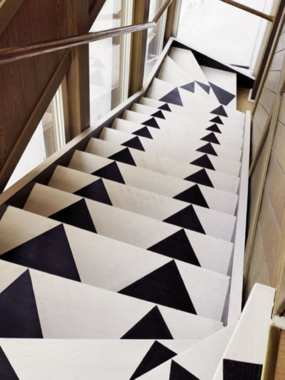 Painted staircase ideas which make your stairs look new 07