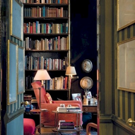 Pieces to create a stylish bookcase instantly 13