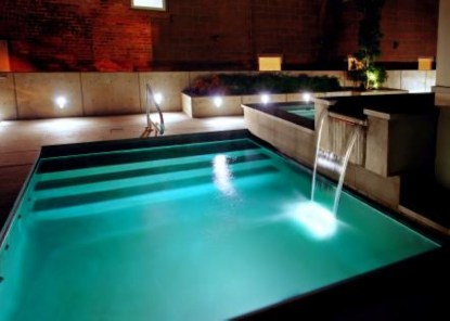Pool waterfalls ideas for your outdoor space 28