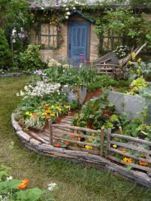 Shabby chic and bohemian garden ideas 26
