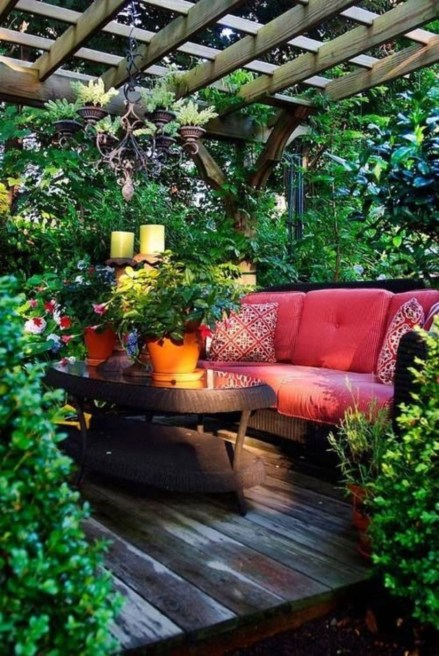 Shabby chic and bohemian garden ideas 36