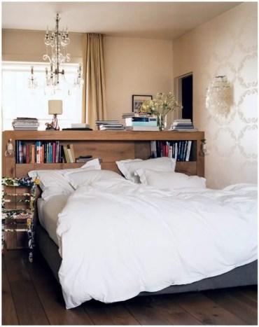 Stunning bookshelves ideas for bedroom decoration 25
