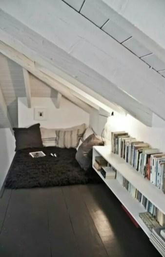 Stunning bookshelves ideas for bedroom decoration 31