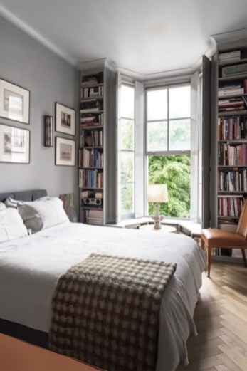 Stunning bookshelves ideas for bedroom decoration 34