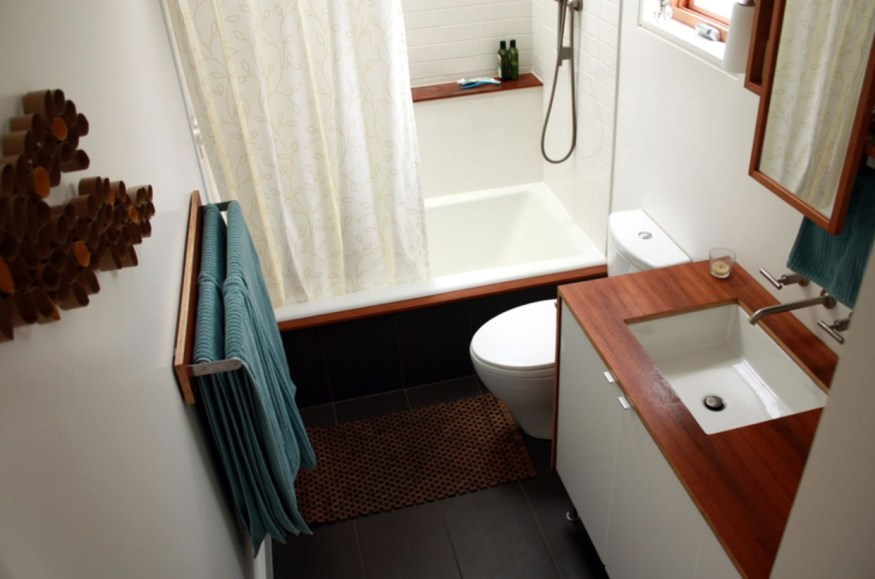 Stunning wood accents to refresh your bathroom 37
