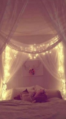 Twinkly ways to light up your home with christmas fairy light 07