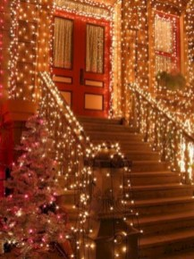 Twinkly ways to light up your home with christmas fairy light 24