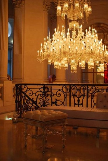 Ways to decorate with chandelier over the stairs 31