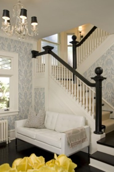 Ways to decorate with chandelier over the stairs 42