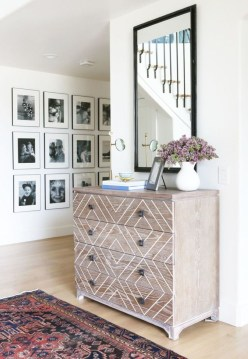 White wall and picture frames in hallway decorating ideas 30