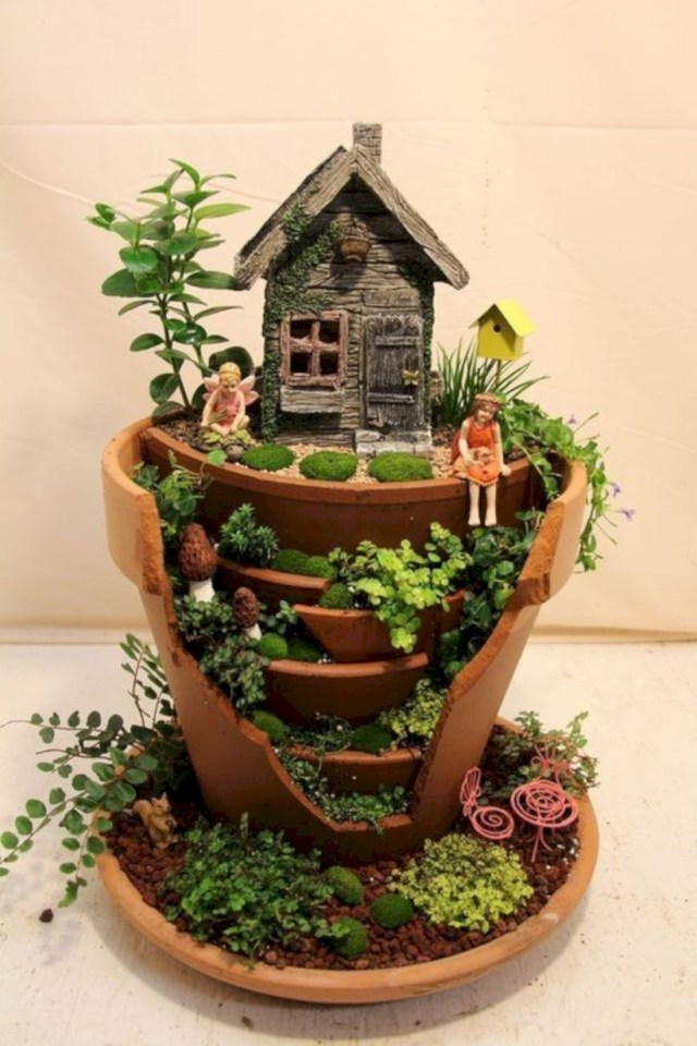 Diy mini fairy garden