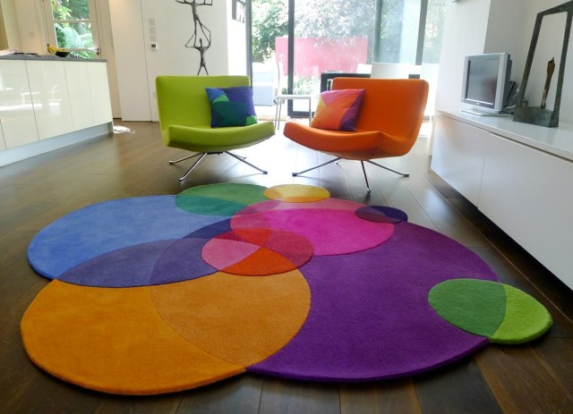 Rooms that will inspire you to try with a round rugs 6