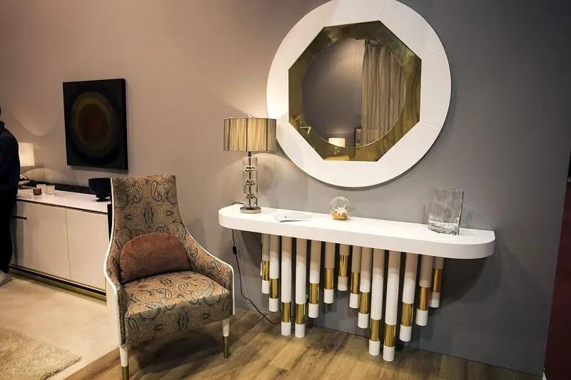 Slim-and-stylish-bedroom-vanity