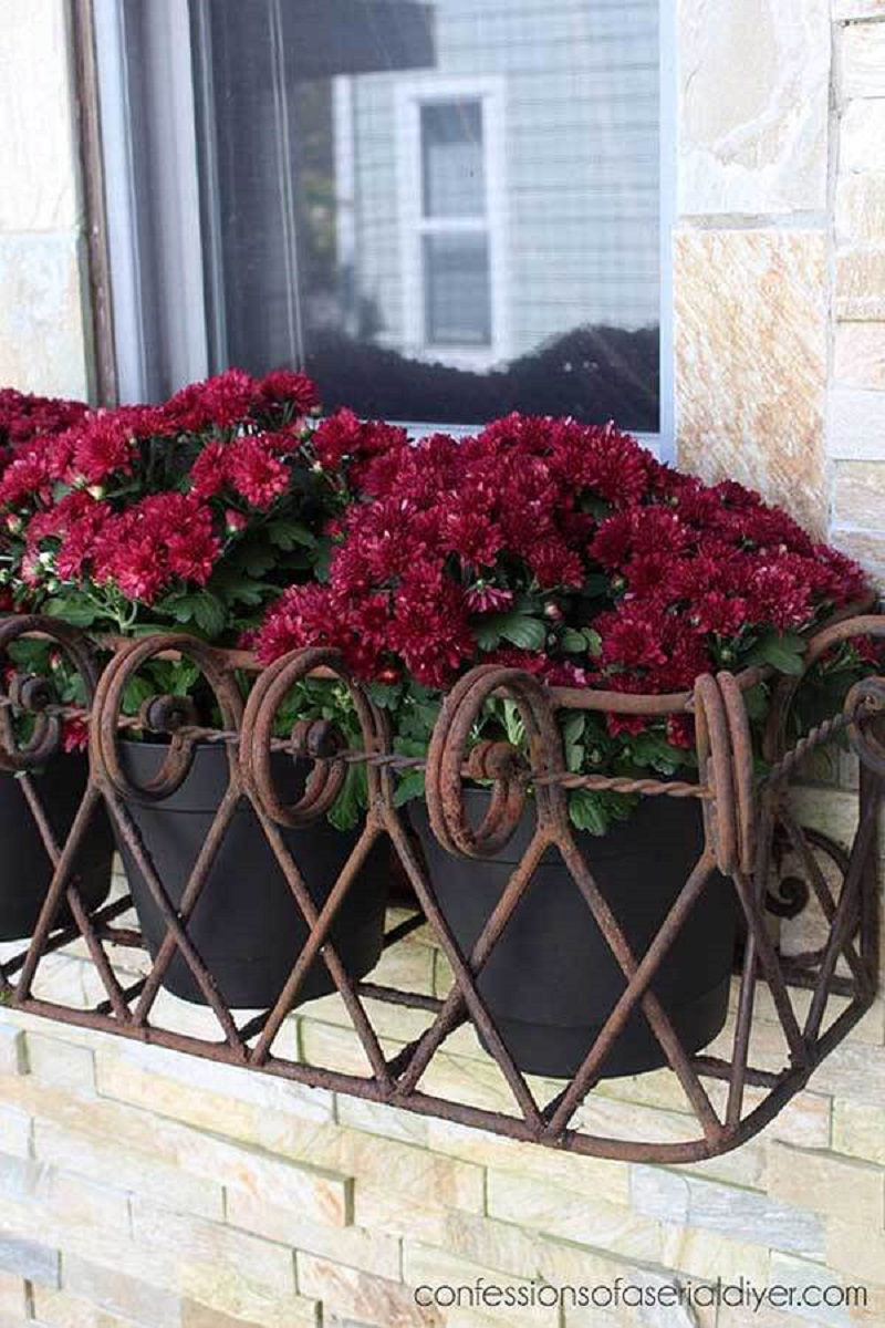 Iron window box for potted plants