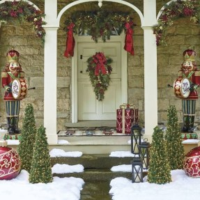 Adorable christmas porch décoration ideas 10