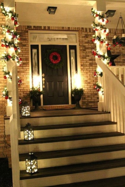 Adorable christmas porch décoration ideas 25