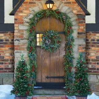 Adorable christmas porch décoration ideas 32
