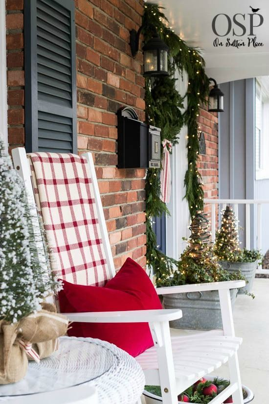Adorable christmas porch décoration ideas 34