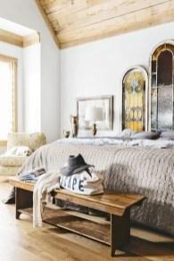 Classic and vintage farmhouse bedroom ideas 04