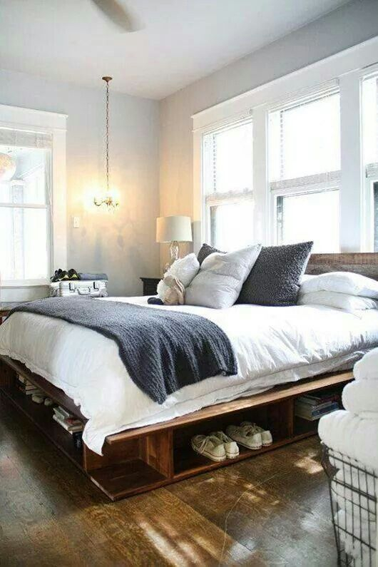 Classic and vintage farmhouse bedroom ideas 20