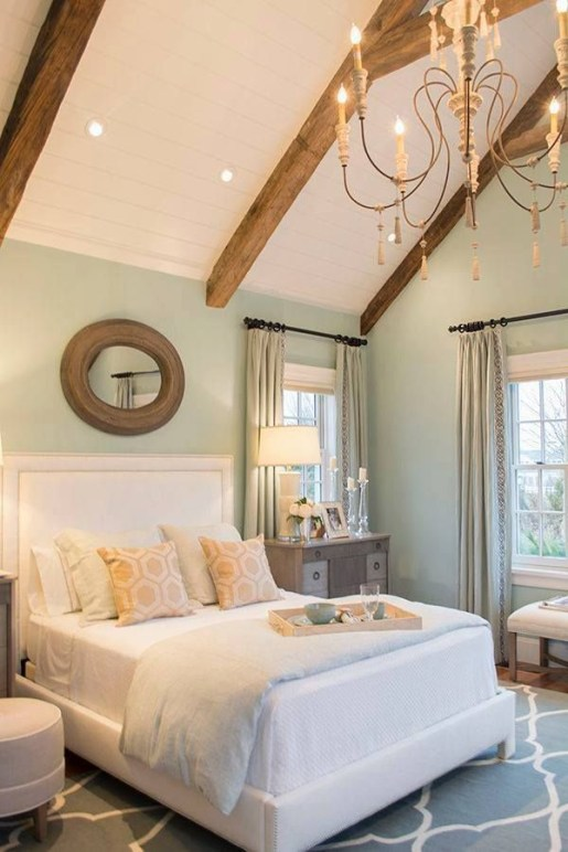 Classic and vintage farmhouse bedroom ideas 23