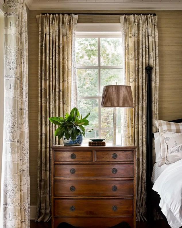 Classic and vintage farmhouse bedroom ideas 24