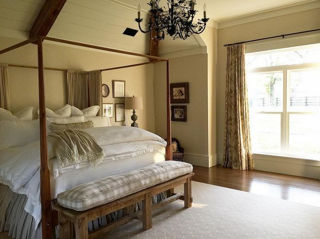 Classic and vintage farmhouse bedroom ideas 25