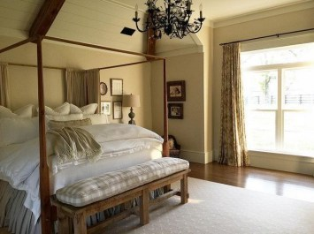 Classic and vintage farmhouse bedroom ideas 25