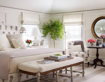 Classic and vintage farmhouse bedroom ideas 32