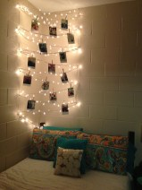 Awesome string light ideas for bedroom 19