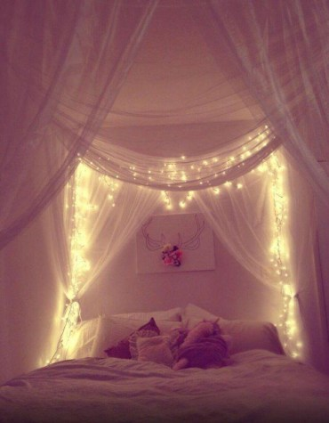 Awesome string light ideas for bedroom 21