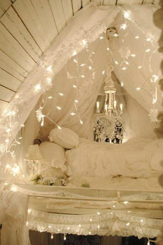 Awesome string light ideas for bedroom 23
