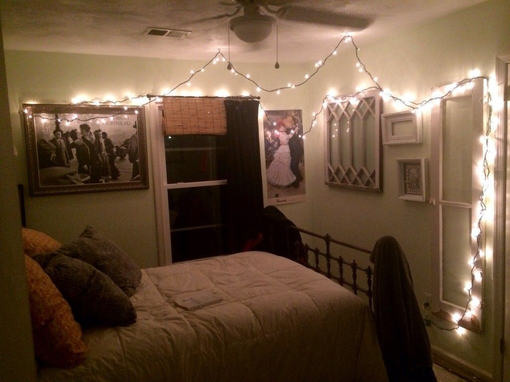 Awesome string light ideas for bedroom 52