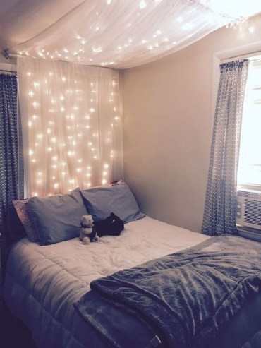 Awesome string light ideas for bedroom 55