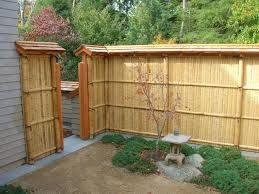 Bamboo fence ideas for small houses 25