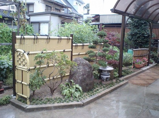 Bamboo fence ideas for small houses 55