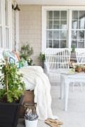Beautiful farmhouse decor ideas for summer 32