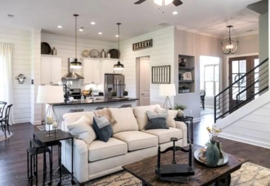 Beautiful farmhouse decor ideas for summer 35