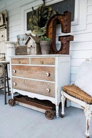 Beautiful farmhouse decor ideas for summer 45