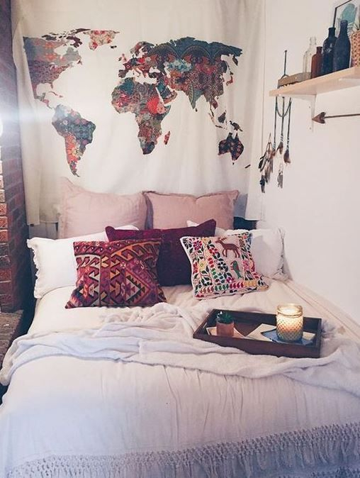 Creative dorm decoration ideas for your bedroom 33