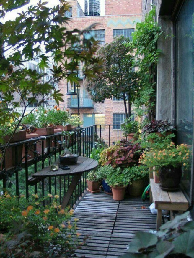 Creative small balcony design ideas for spring 06