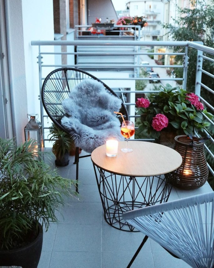 Creative small balcony design ideas for spring 16