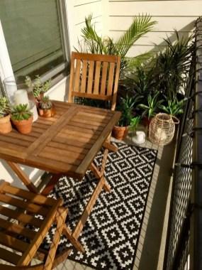 Creative small balcony design ideas for spring 34