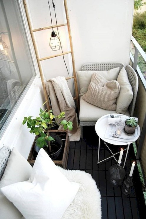 Creative small balcony design ideas for spring 43