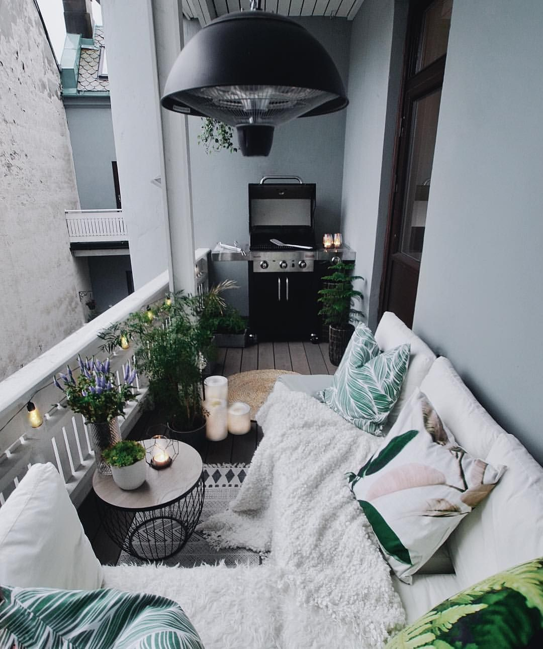 Creative small balcony design ideas for spring 56