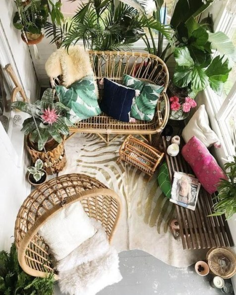 Creative small balcony design ideas for spring 57