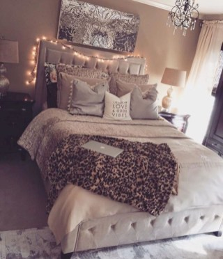 Extremely cozy master bedroom ideas 29